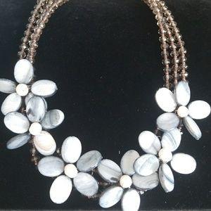 NWT. Nakamol Feminine Flower Necklace!